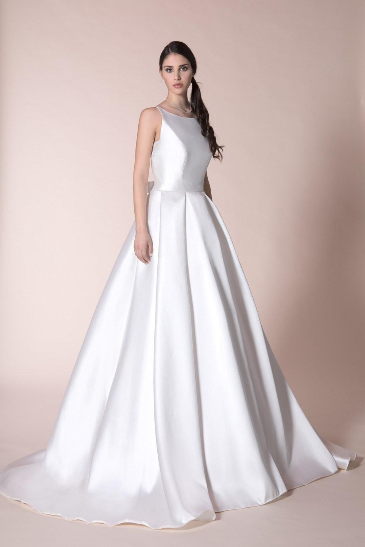 2e18e4be2799 abito da sposa in mikado di seta ...