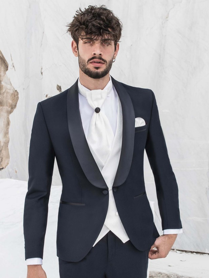 Groom dresses - 20M15