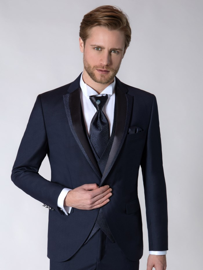 Groom dresses - M9