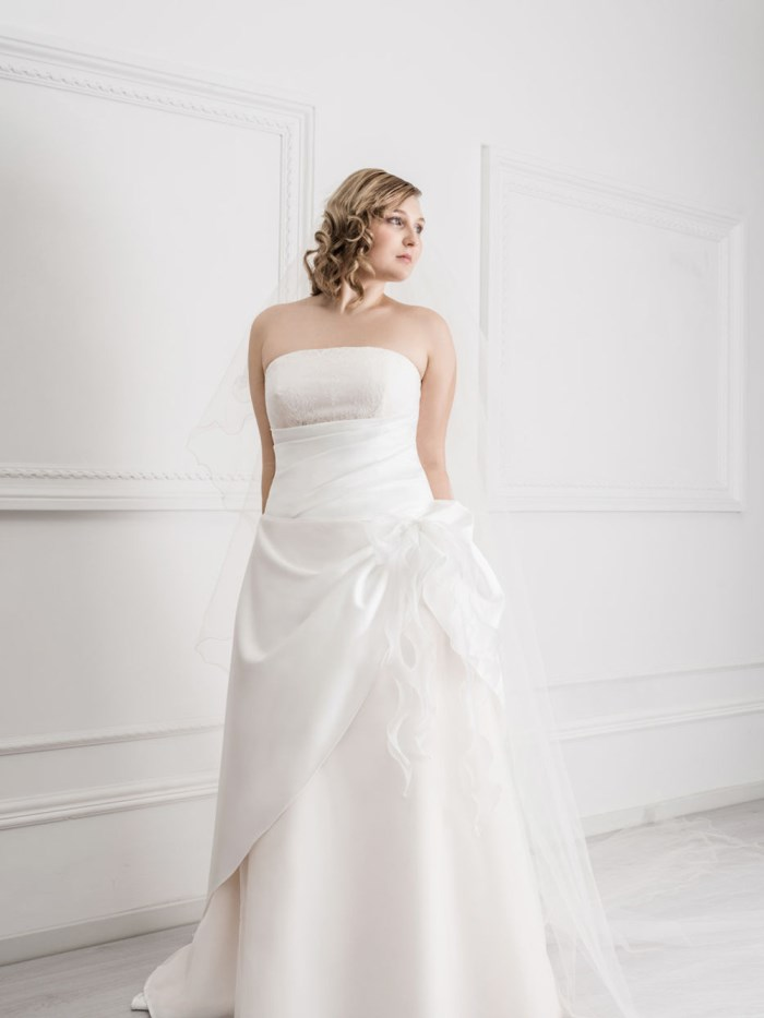 Curvy Wedding Dresses - LX23