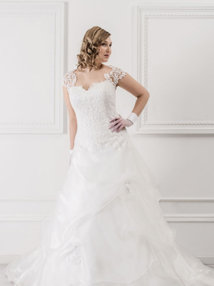 Curvy Wedding Dresses - LX30