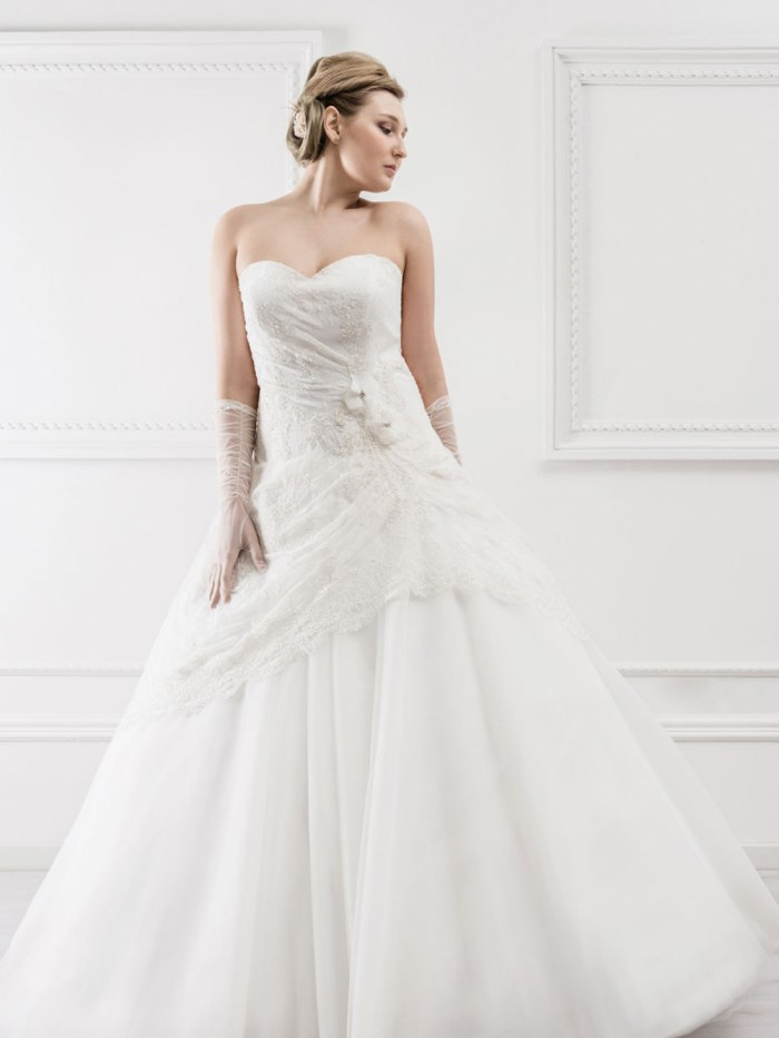 Curvy Wedding Dresses - LX37